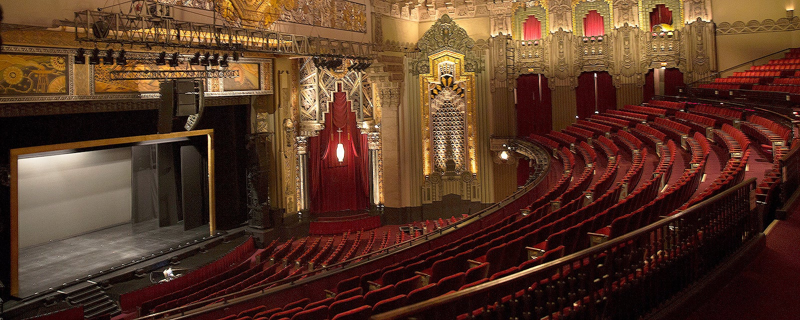 The Hollywood Pantages Theatre (formerly known as the RKO Pantages Theatre) is an exciting complex located on the bustling area of Hollywood and Vine in downtown Hollywood, Los Angeles, California. The venue has a capacity of 2, Built in Art Deco style, this stunning theatre hosts many events including broadway shows, concerts, and other social events.